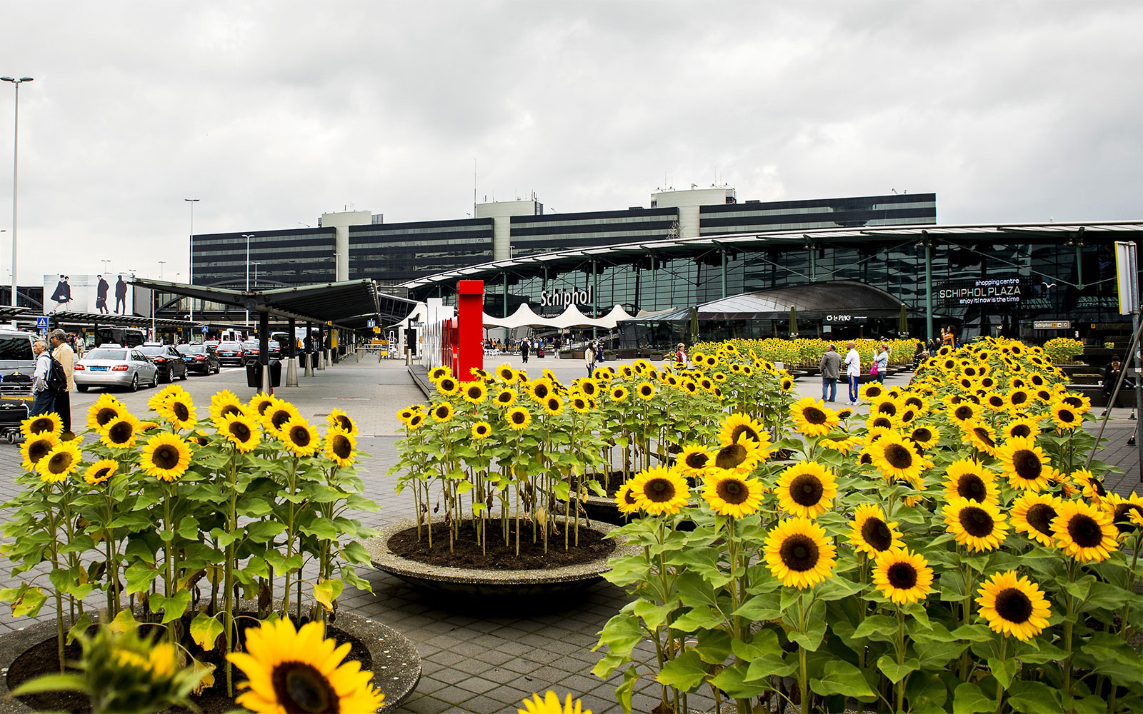 World's Best Airports: International: Amsterdam Airport Schiphol, Netherlands