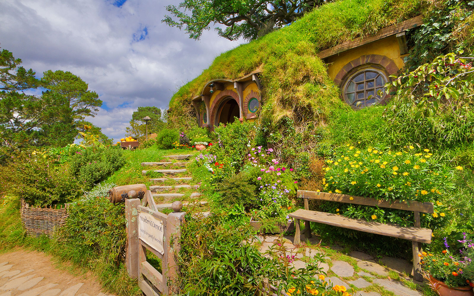 Tours Worth Taking: Hobbiton Movie Set Tour in New Zealand