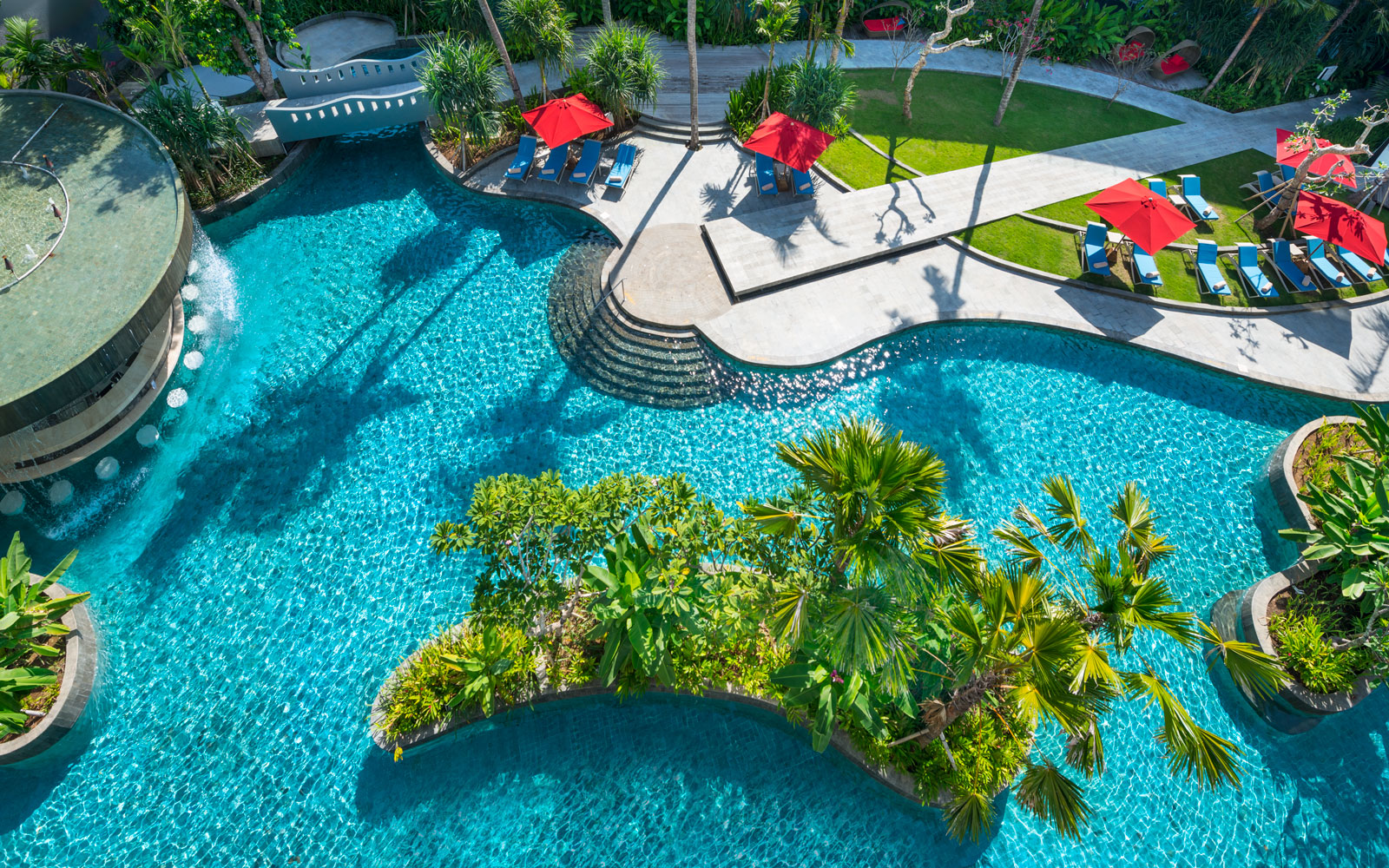 Chill Out at the World's Coolest Swim-Up Bars: Le Méridien Bali Jimbaran