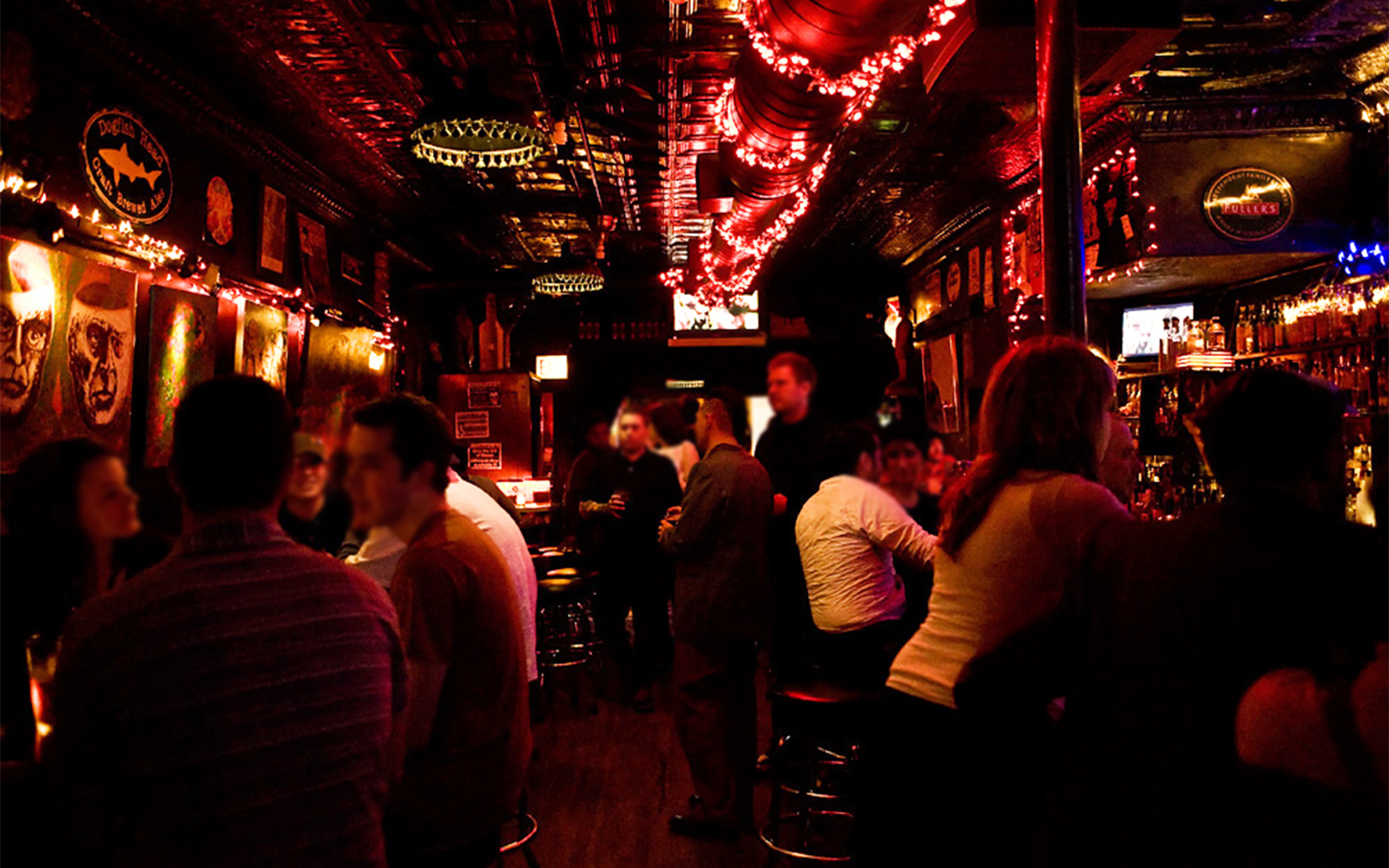 Best Whiskey Bars in America: Delilah's, Chicago