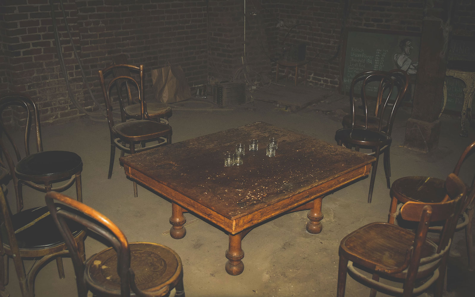 HAUNTED1015-old-town-haunted-taproom.jpg