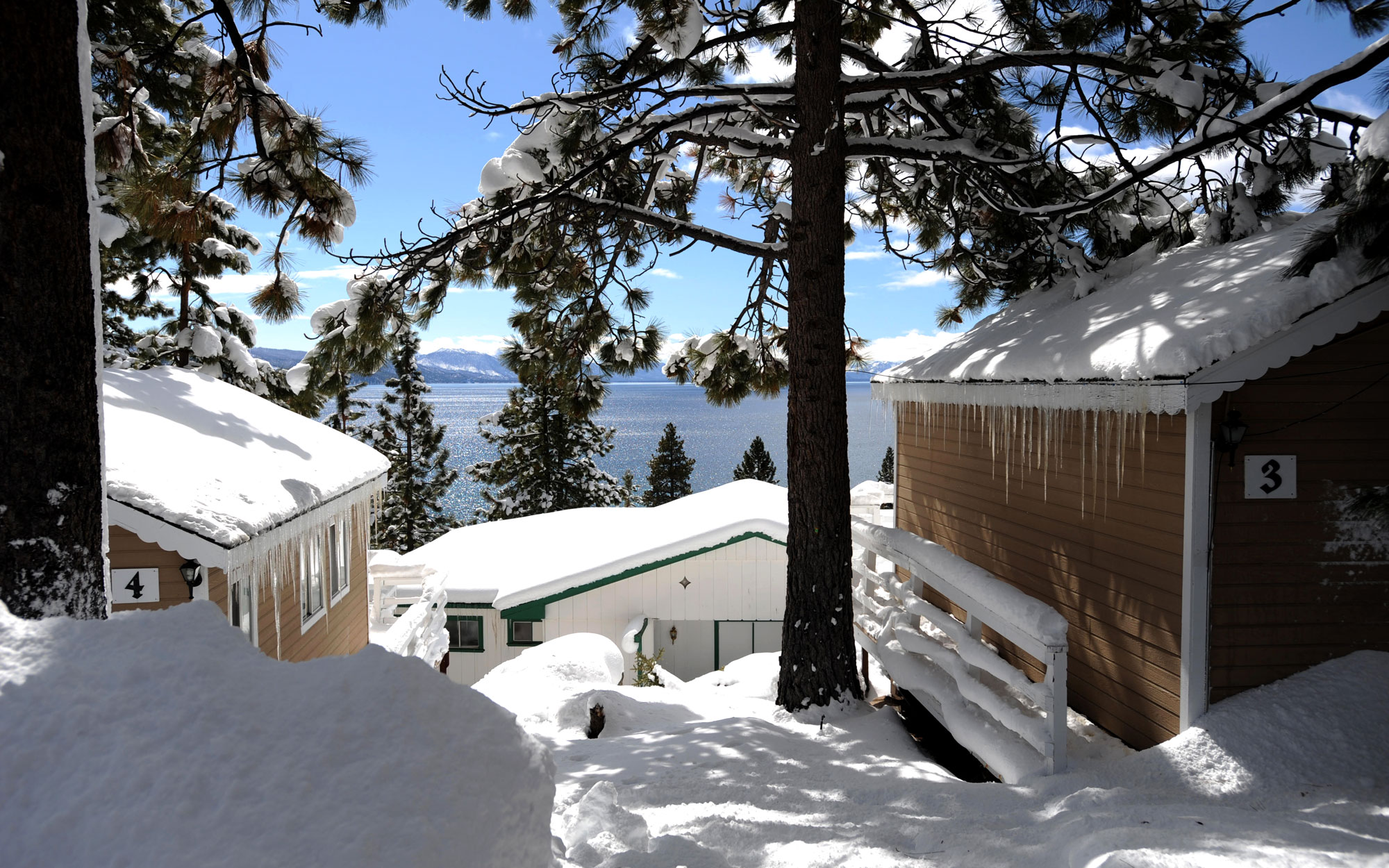 Hotels Haunted by Celebrities: CalNeva Resort, Spa & Casino in Lake Tahoe, Nevada