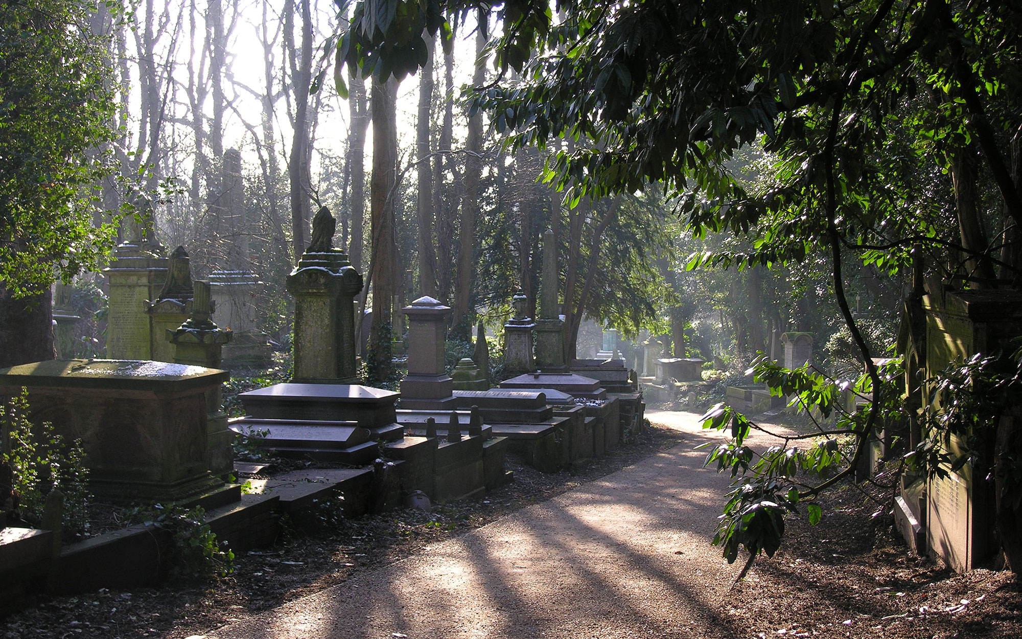 World's Most Beautiful Cemeteries: Highgate Cemetery, England