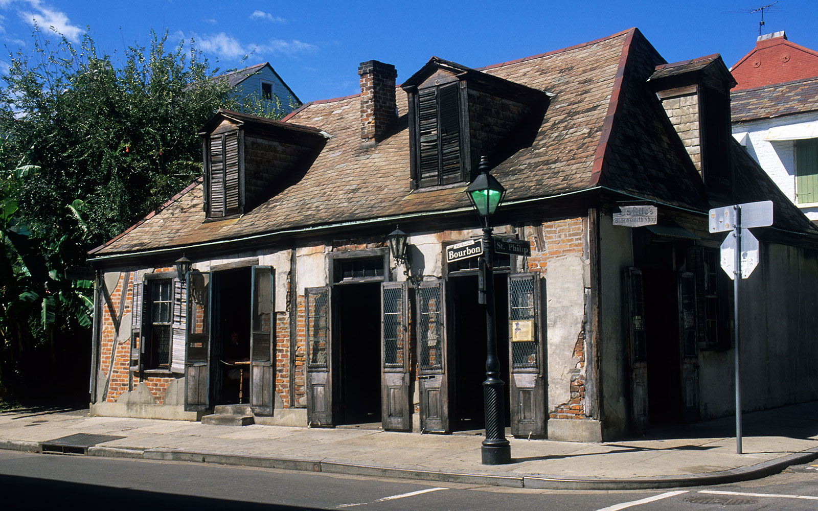America's Most Haunted Bars and Restaurants: Lafitte's Blacksmith Shop, New Orleans