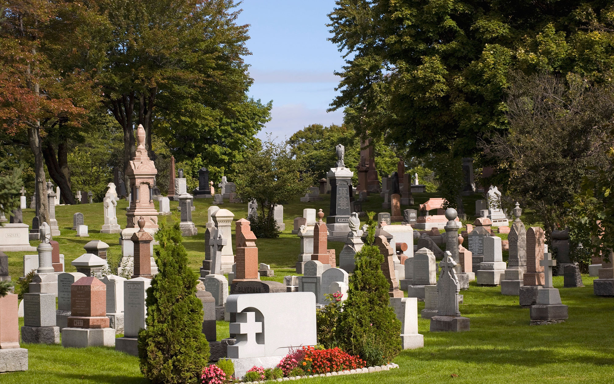 World's Most Beautiful Cemeteries: Mount Royal Cemetery, Canada