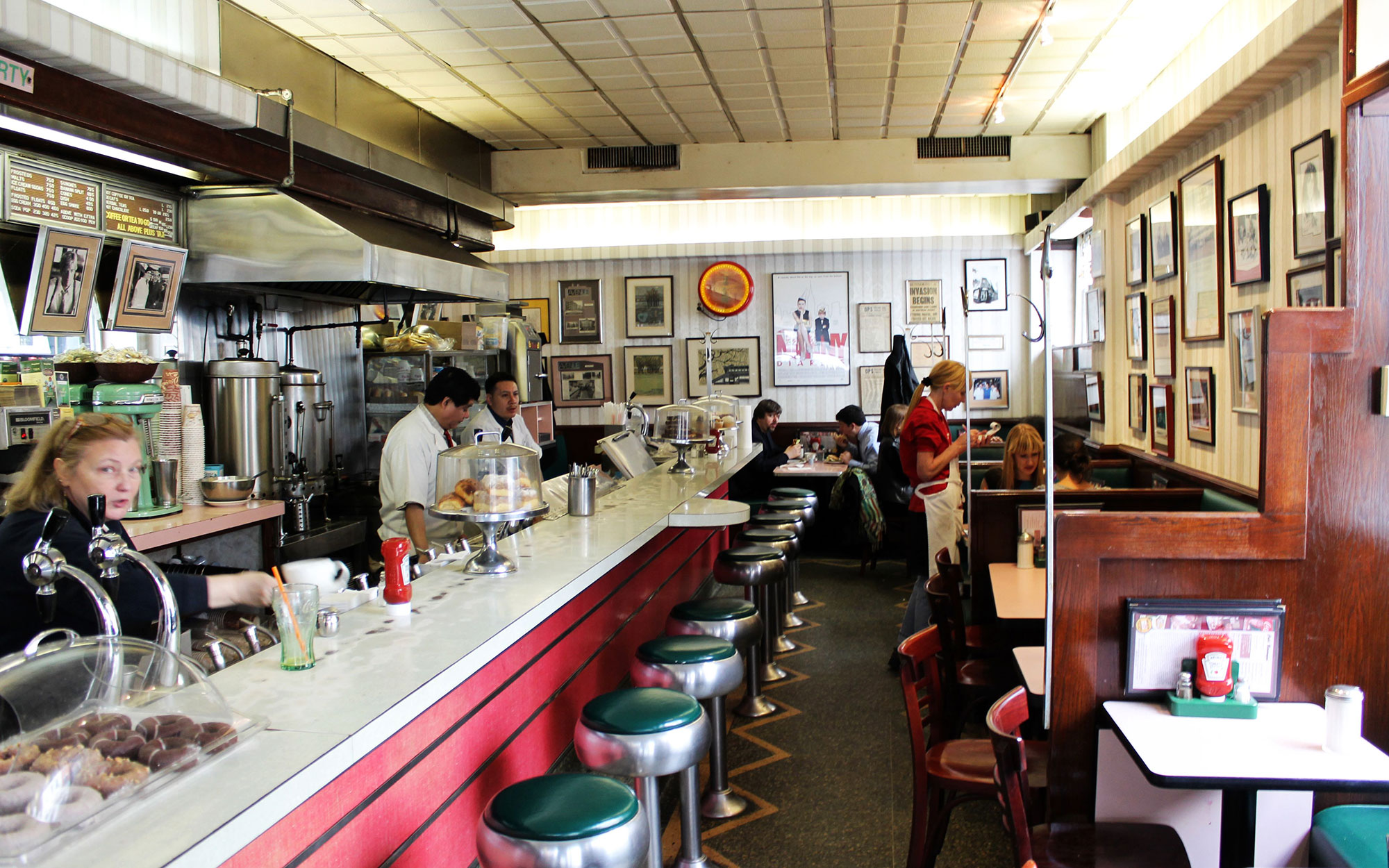 Best Old Restaurants and Bars in NYC: Lexington Candy Shop