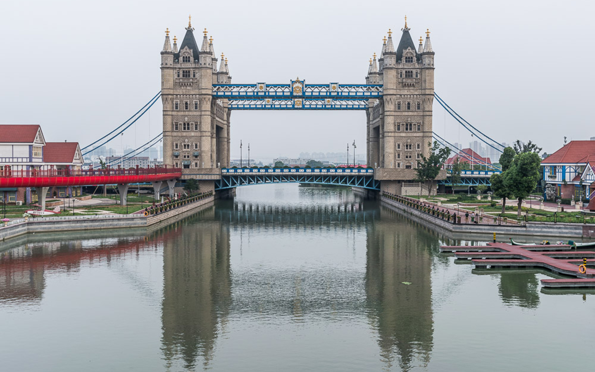 London's Tower Bridge in China