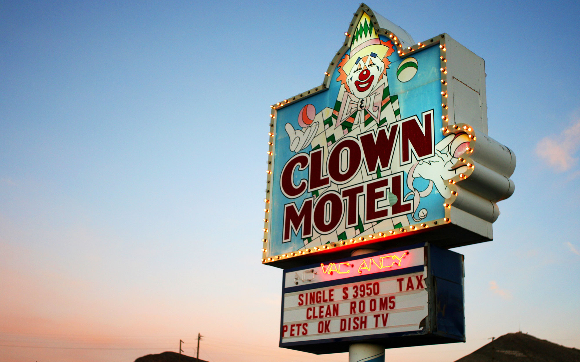 Weirdest Roadside Attractions: Nevada: The Clown Motel