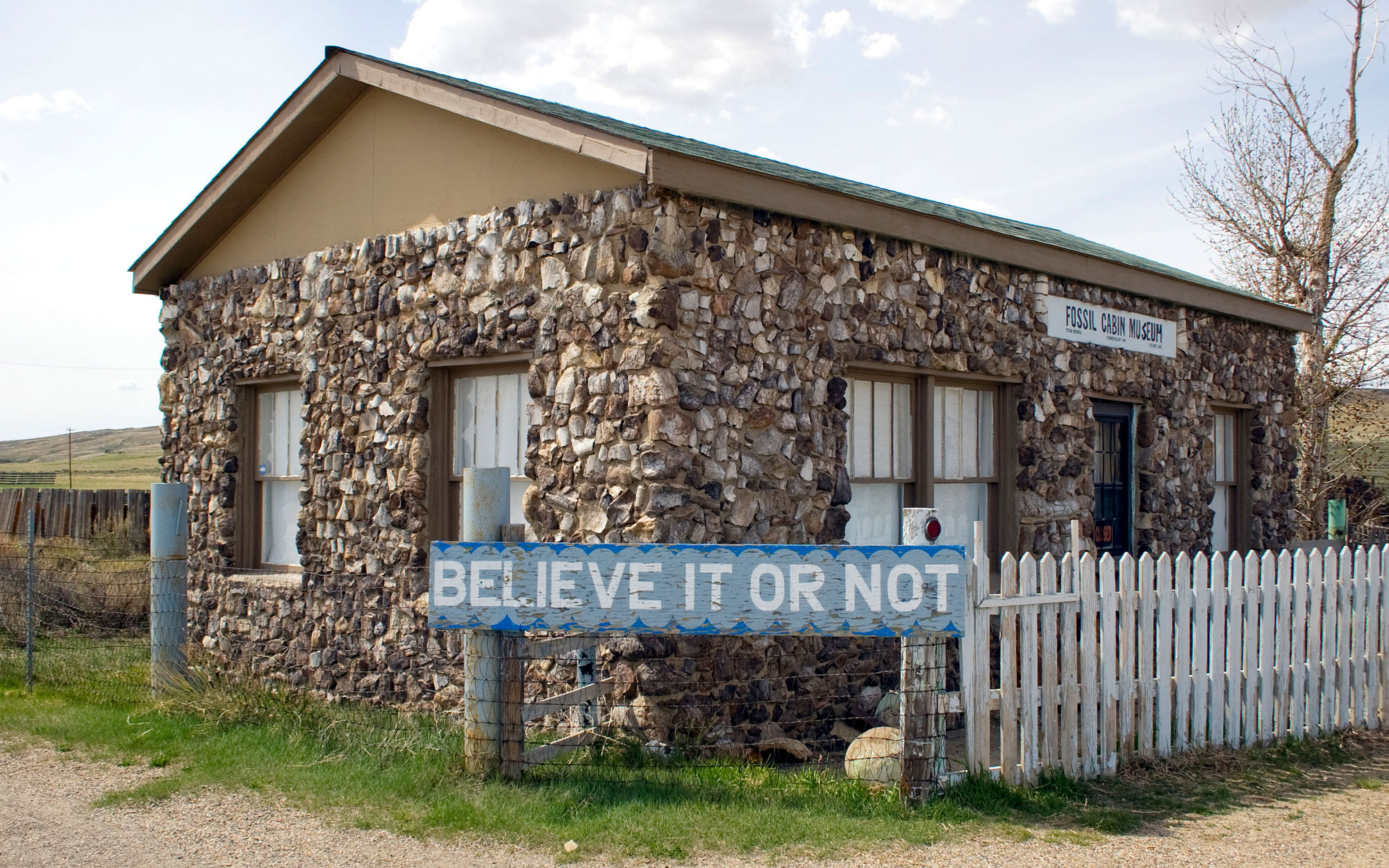 Weirdest Roadside Attractions: Wyoming: Fossil Cabin