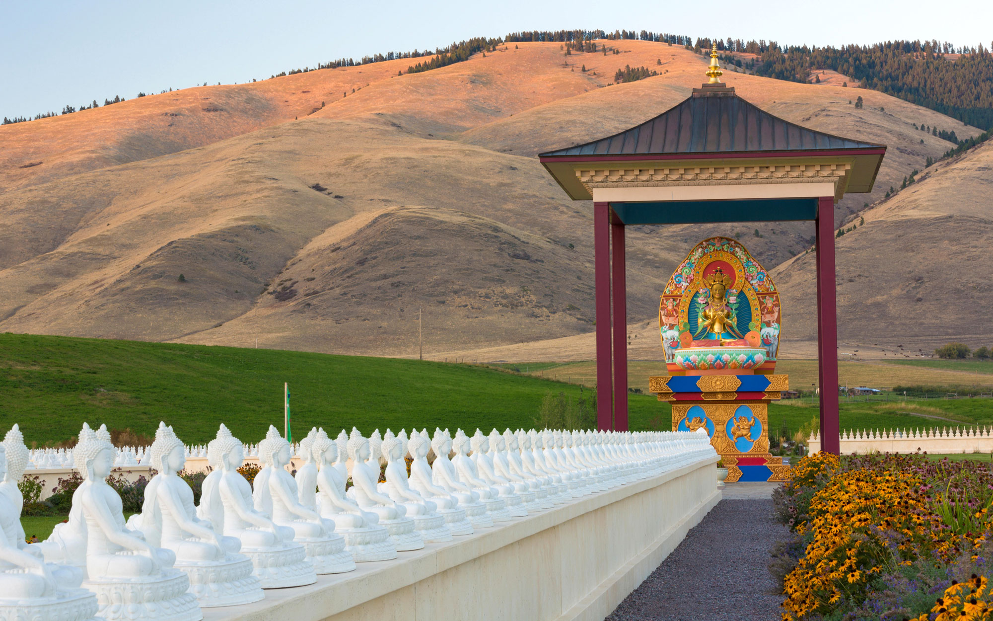Weirdest Roadside Attractions: Montana: Garden of One Thousand Buddhas