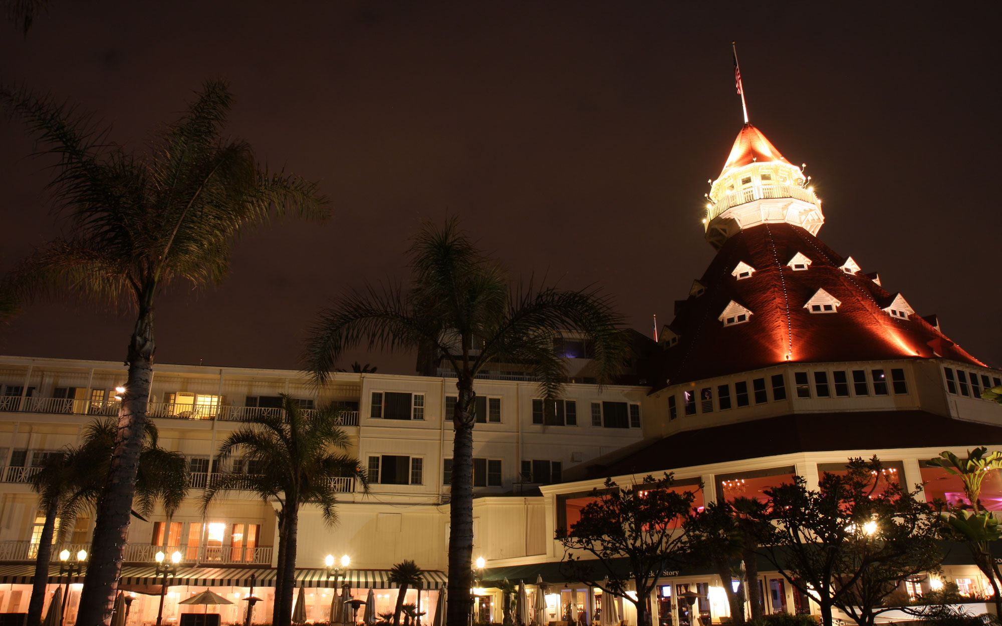 15 of the Most Beautiful (But Totally Haunted) Hotels in the World: The Hotel Del Coronado