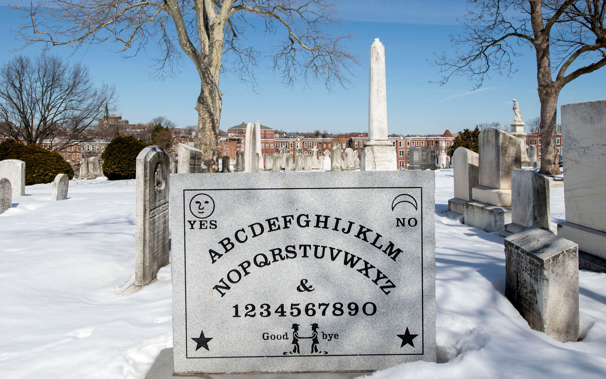 Weirdest Roadside Attractions: Maryland: Ouija Board Headstone