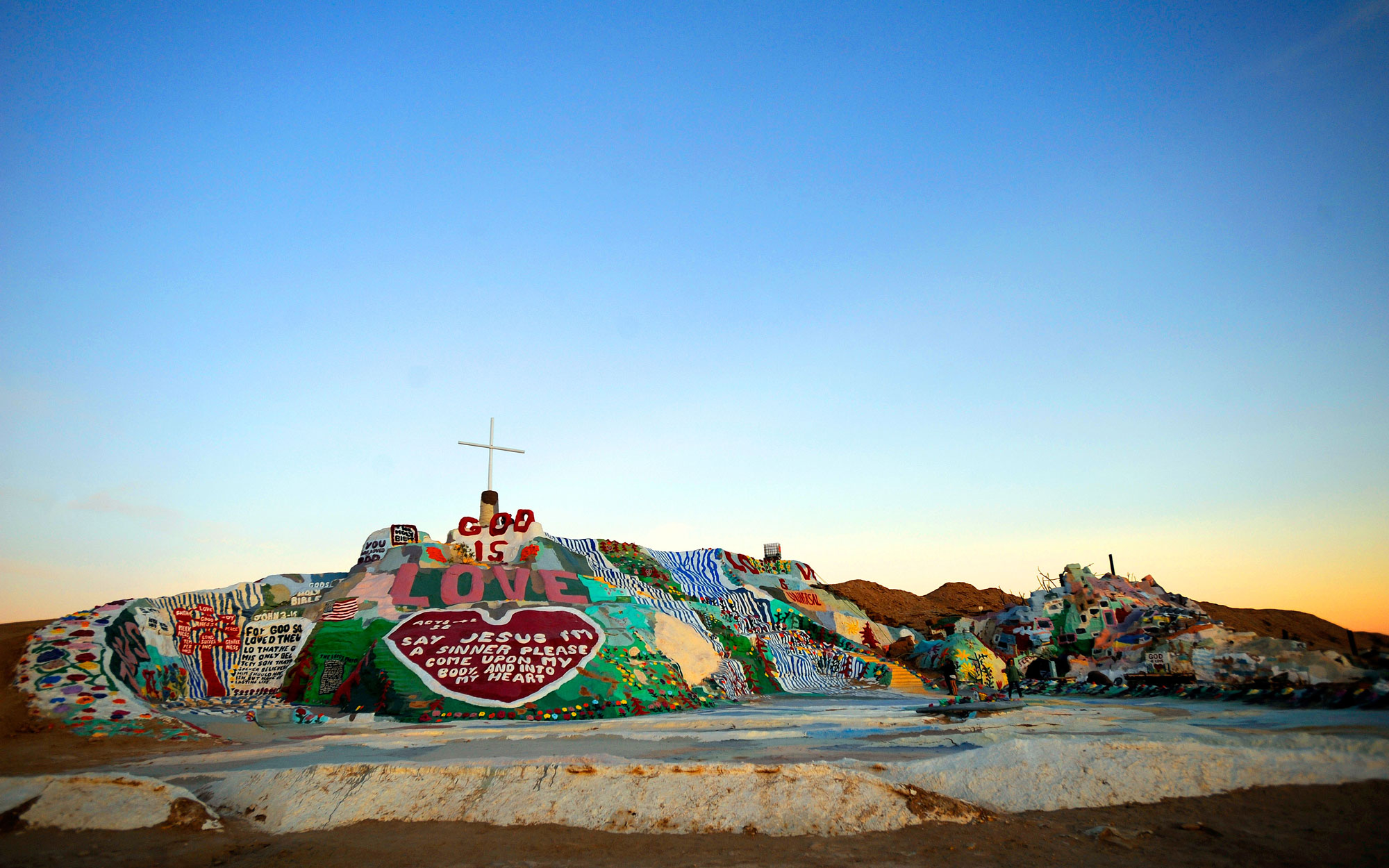 Weirdest Roadside Attractions: California: Salvation Mountain