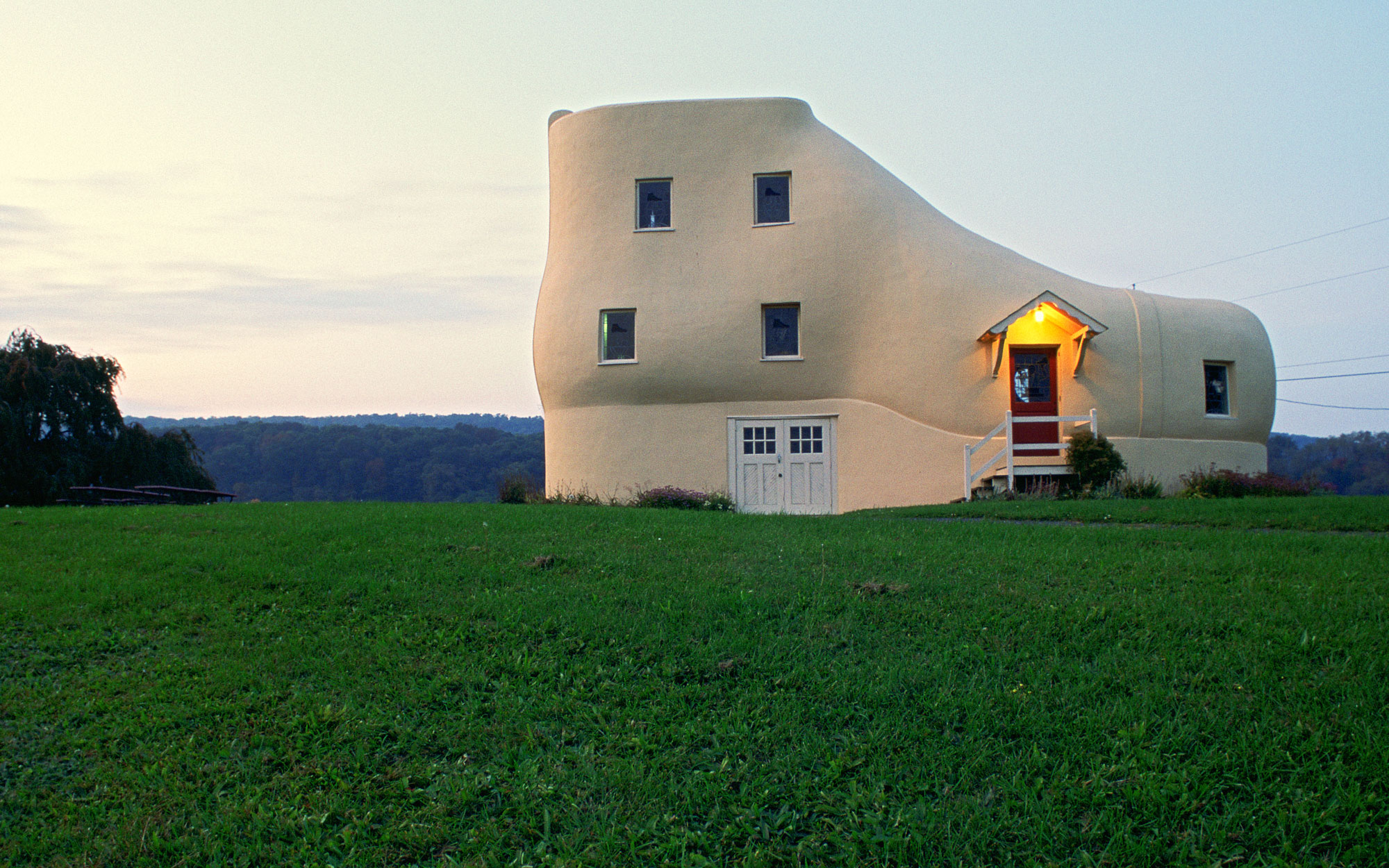 Weirdest Roadside Attractions: Pennsylvania: Shoe House