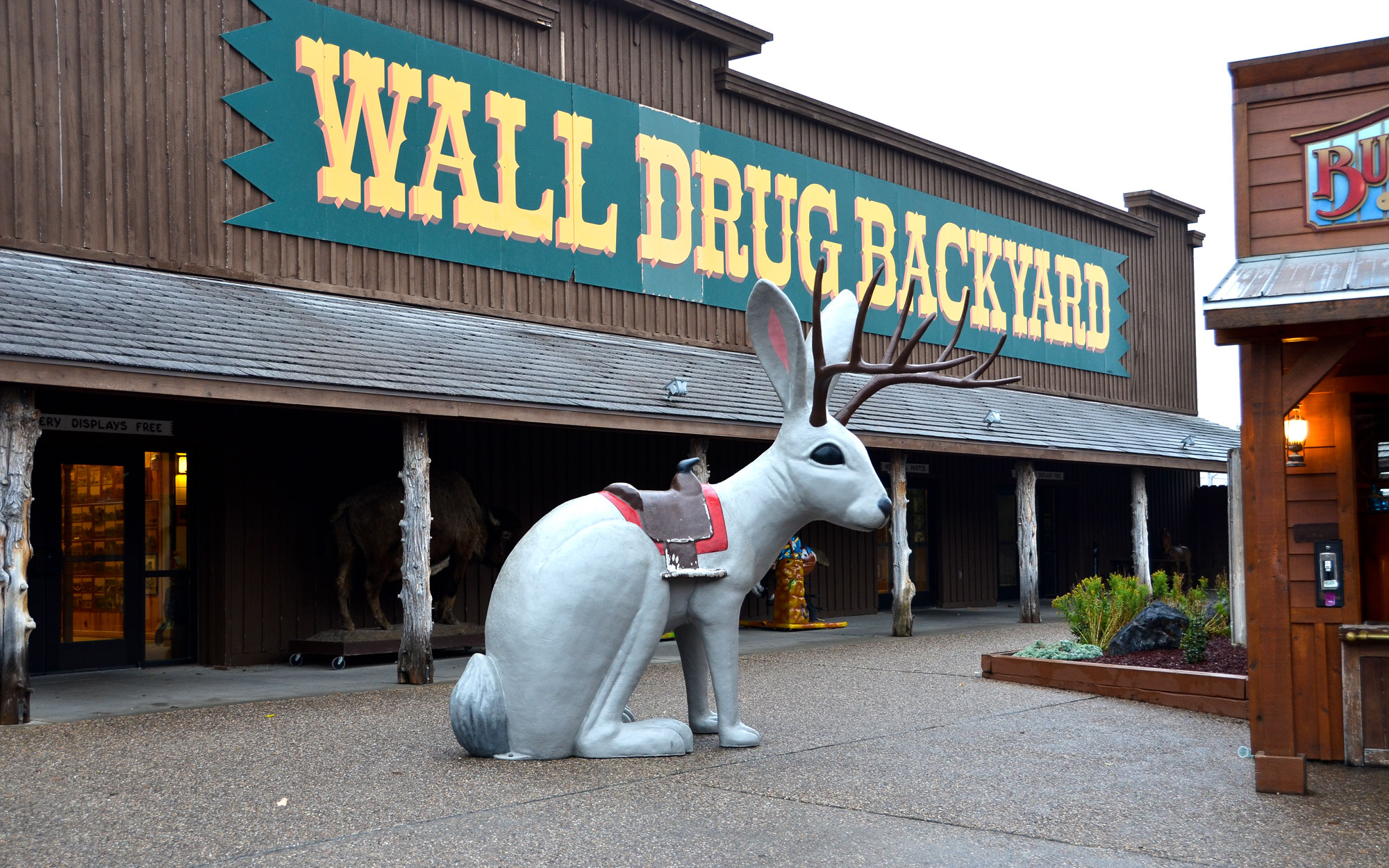 Weirdest Roadside Attractions: South Dakota: Wall Drug