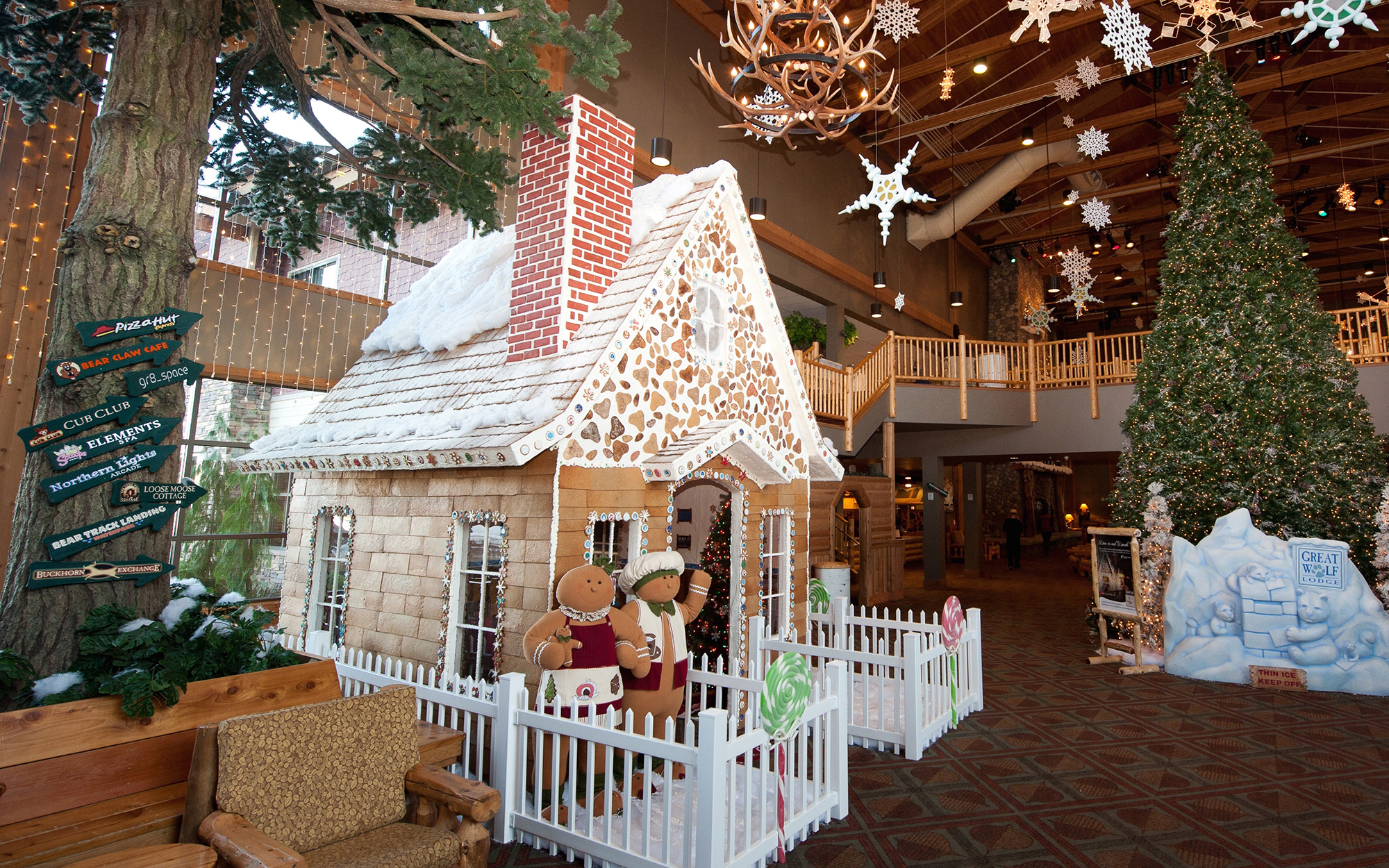 The Best Hotel Gingerbread Houses: Great Wolf Lodge, North America