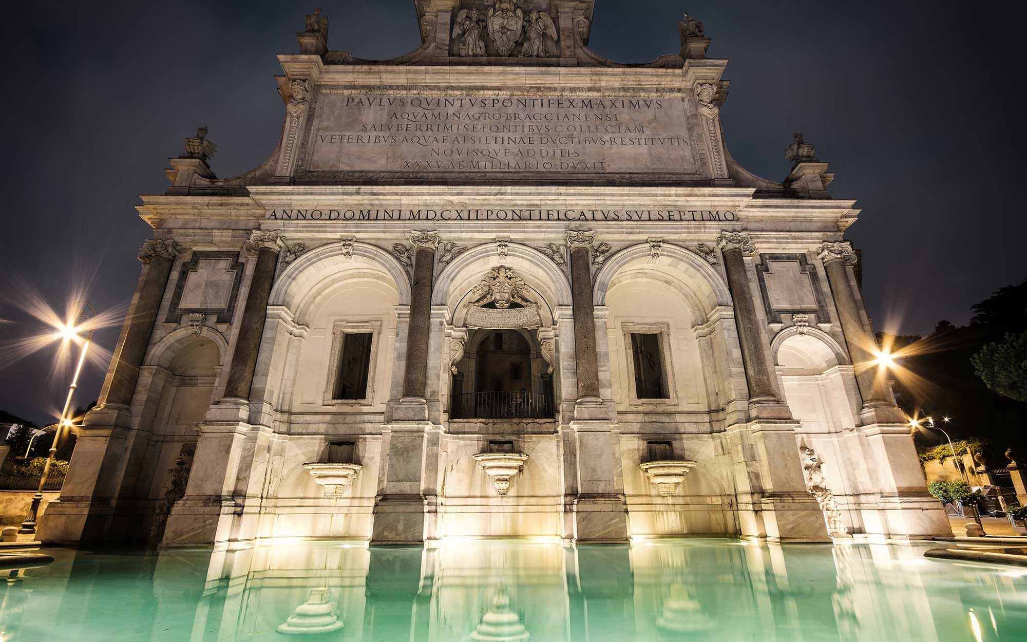 12 Roman Fountains That Will Make You Want to Book a Flight: Fontana dell'Acqua Paola