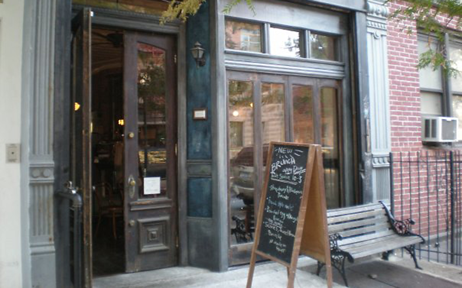 Best Brunch Spots in NYC: Rabbithole