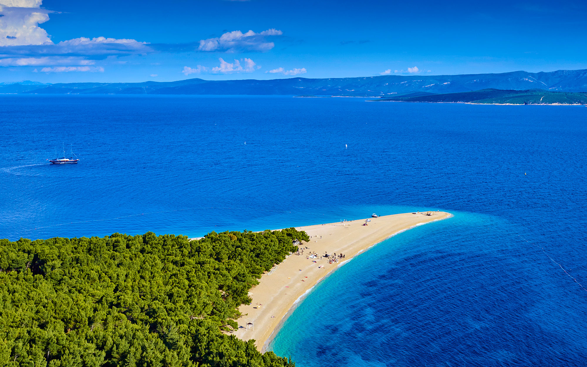 world's strangest beaches: Zlatni Rat