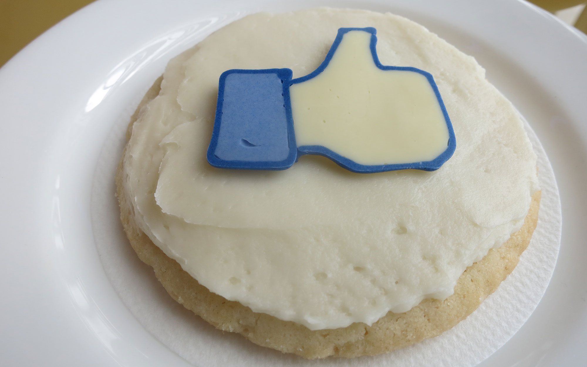 20 Secret Hotel Amenities Even the Concierge Doesn't Know About: Social Media Sugar Cookies