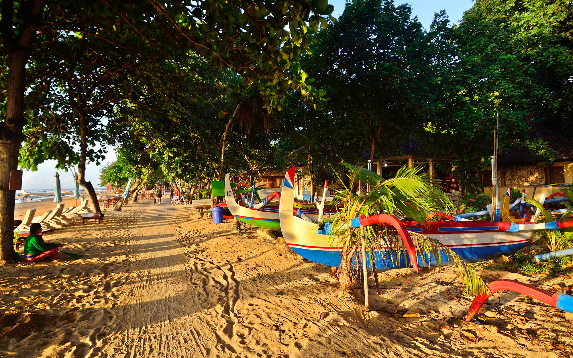 Sandy walking track, Sanur Beach