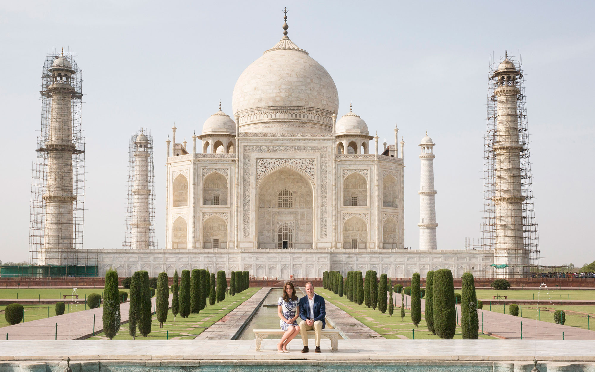 The Duke and Duchess of Cambridge in front of the Taj Mahal in India during day seven of the Royal tour to India and Bhutan. PRESS ASSOCIATION Photo. Picture date: Saturday April 16, 2016. See PA story ROYAL India. Photo credit should read: Ian Vogler/Dai