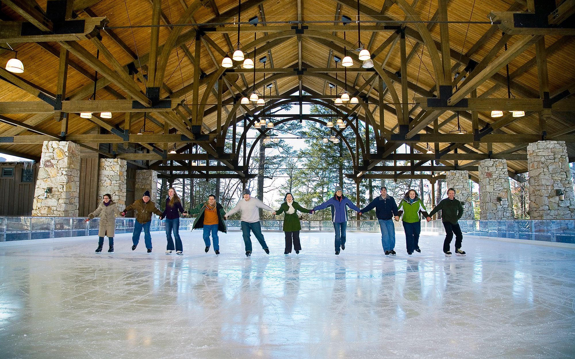 Hotel Ice Skating Rinks: Mohonk Mountain House, New Paltz, New York