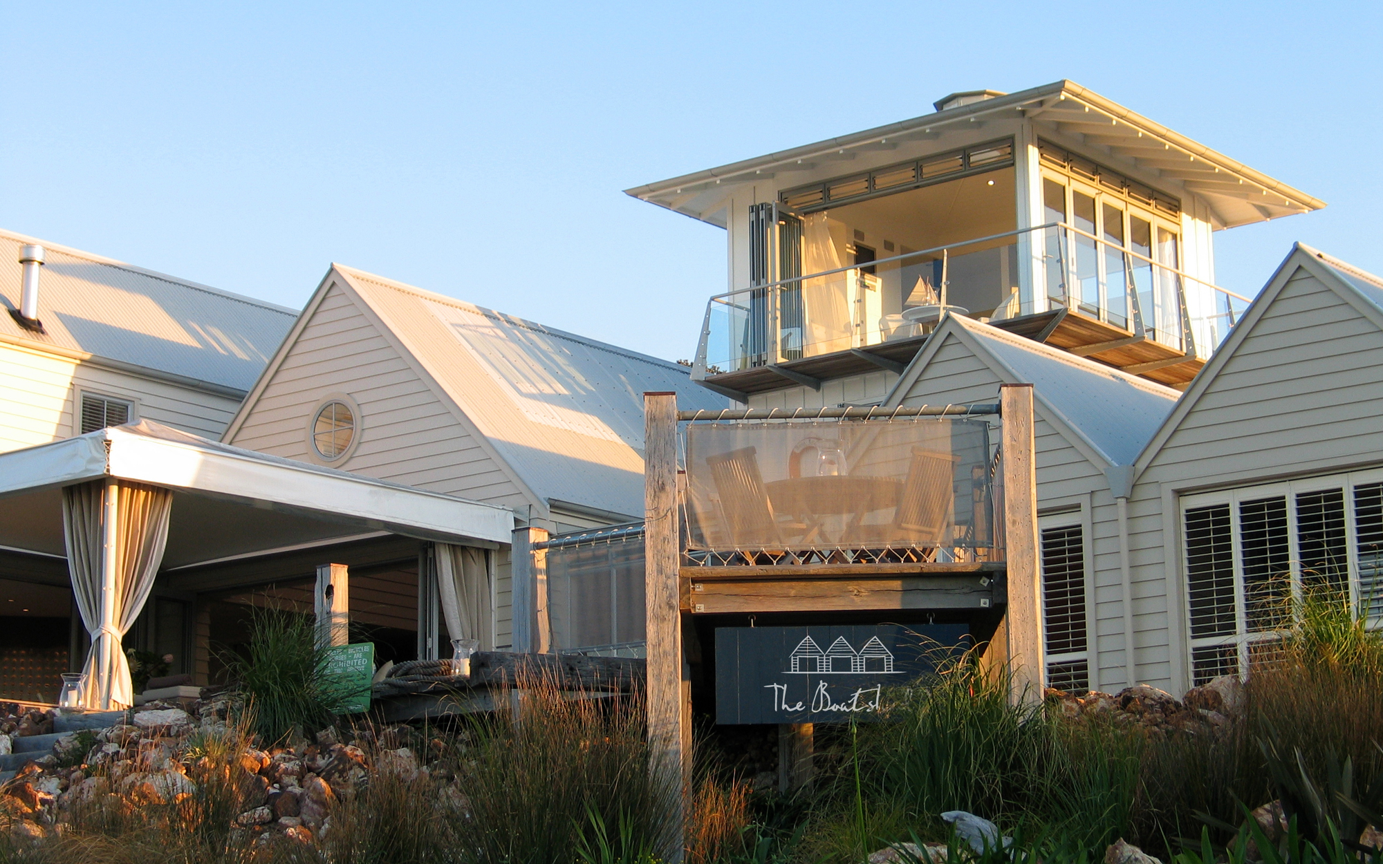 The Boatshed Hotel