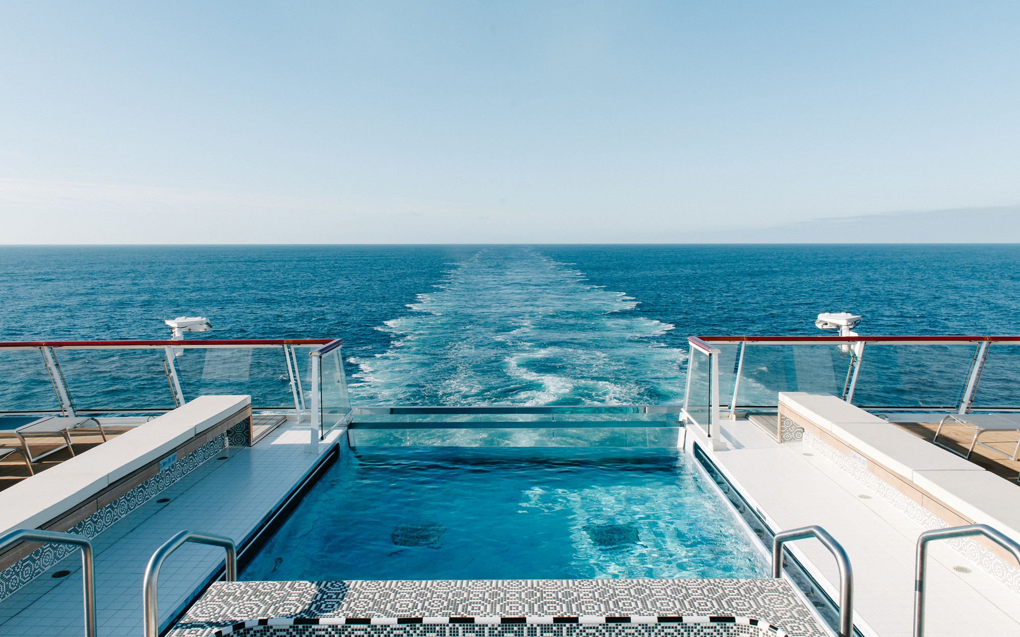 Infinity pool, Viking Ocean Cruises