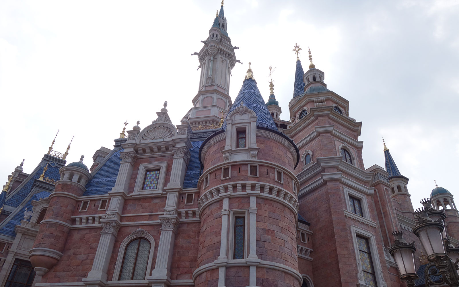 Shanghai Disney inside