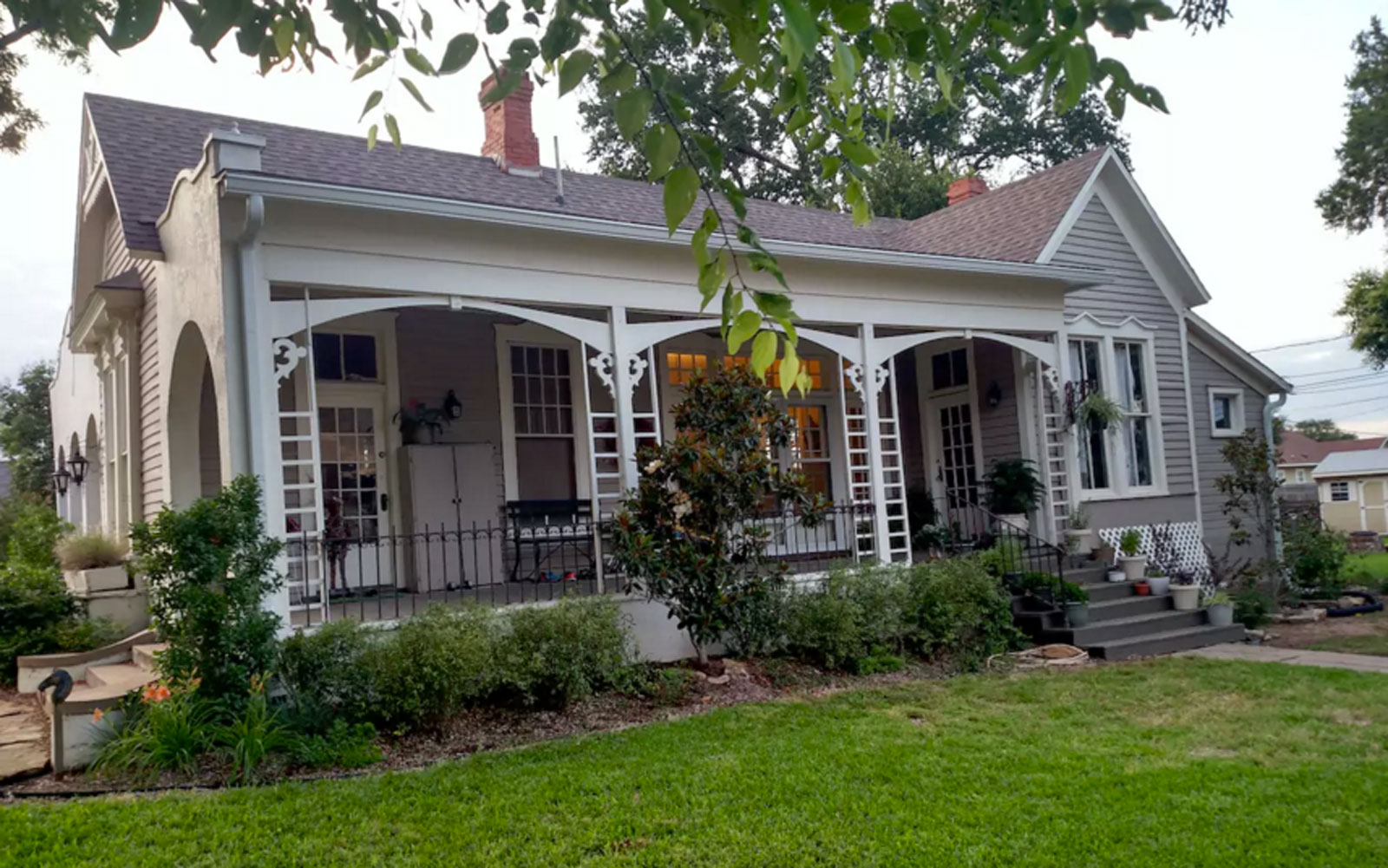 A house from Fixer Upper available on Airbnb.