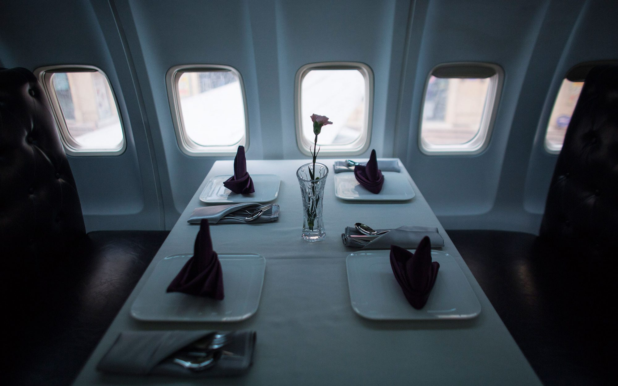 china boeing restaurant airplane cabin
