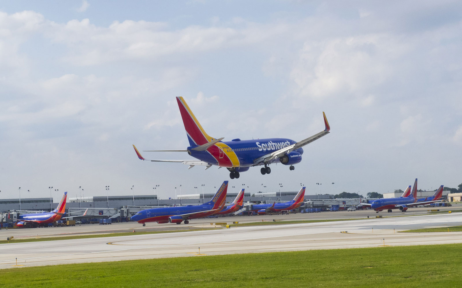 A Southwest flight attendant is the master of voices during this landing announcement.