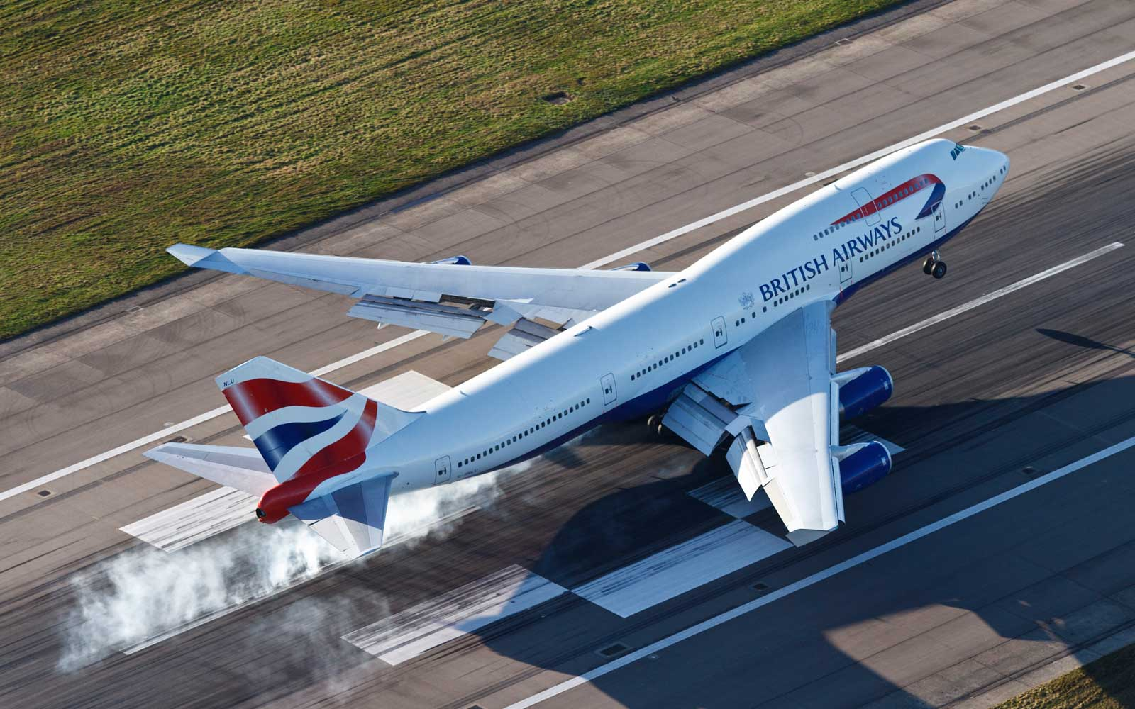 British Airways Landing Gears Failure At Heathrow