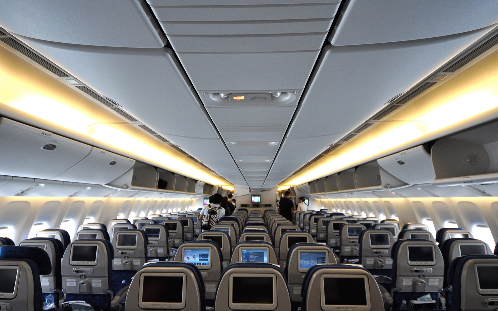 British Airways Adding Another Seat to Economy Class on 777s