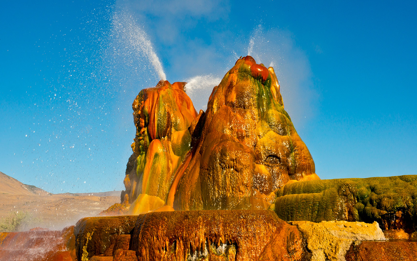 Fly Geyser with colors