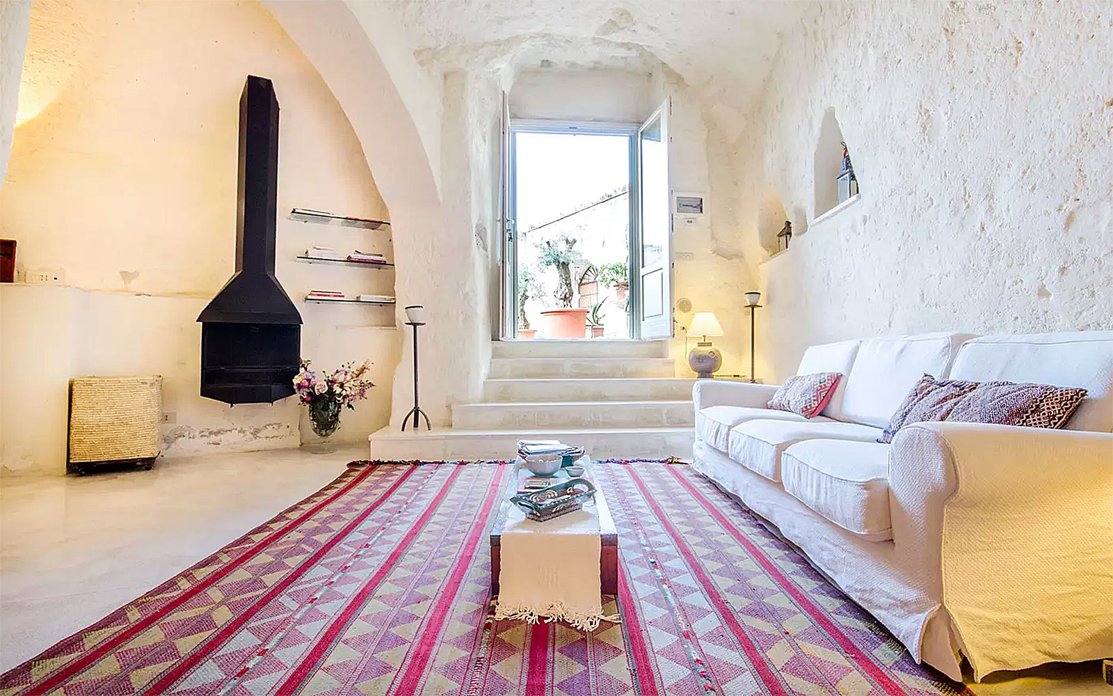 Airbnb Caves