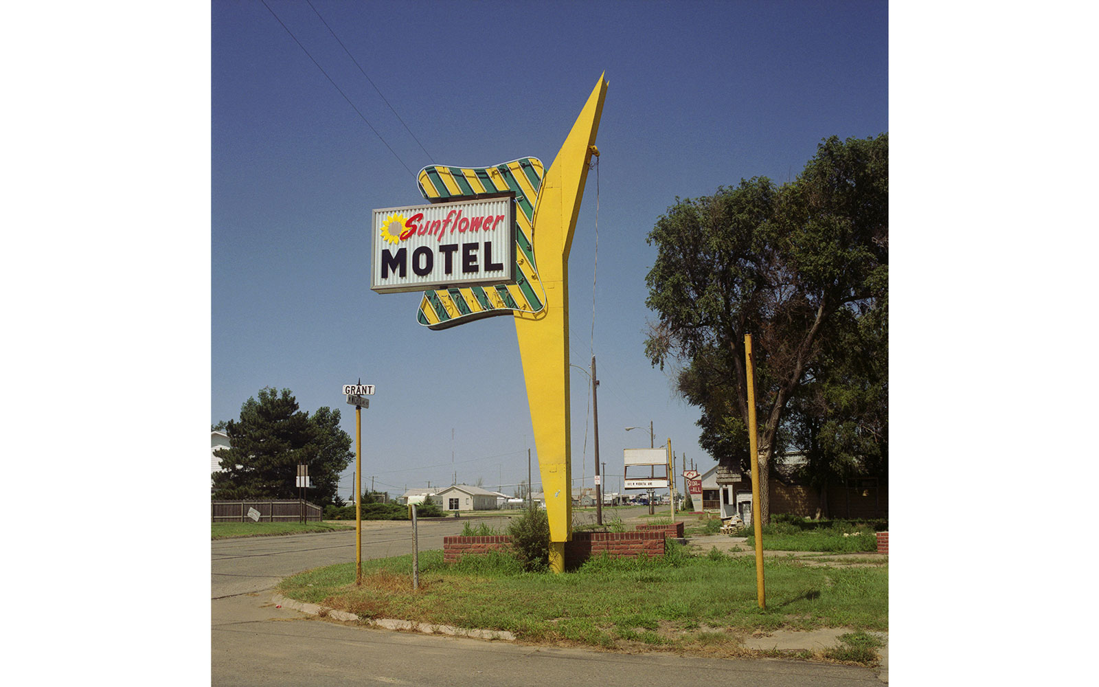 Sunflower Motel
