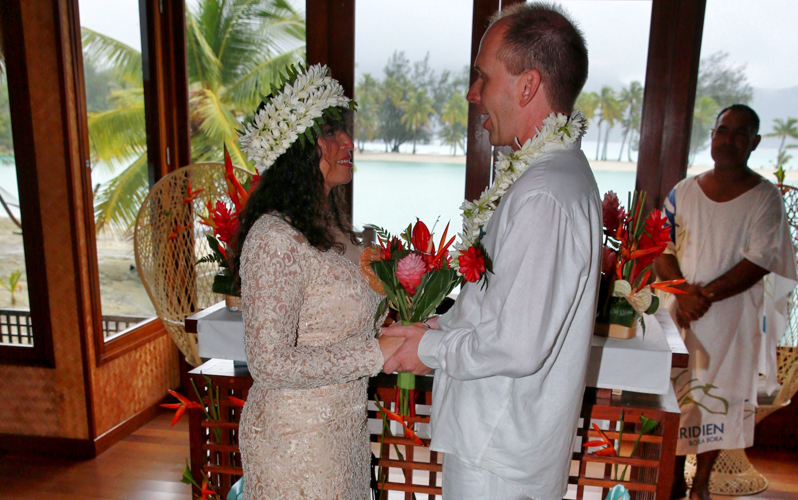 Greg and Lucie Dils say their vows in Bora Bora