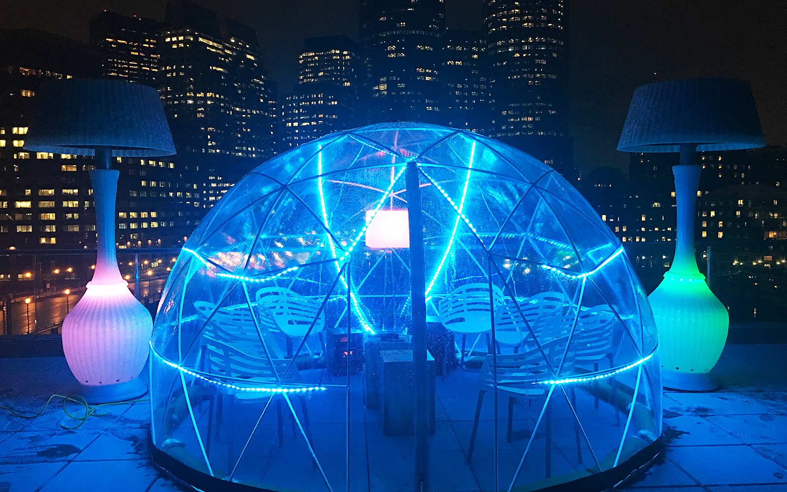 Rooftop igloo bar in Boston