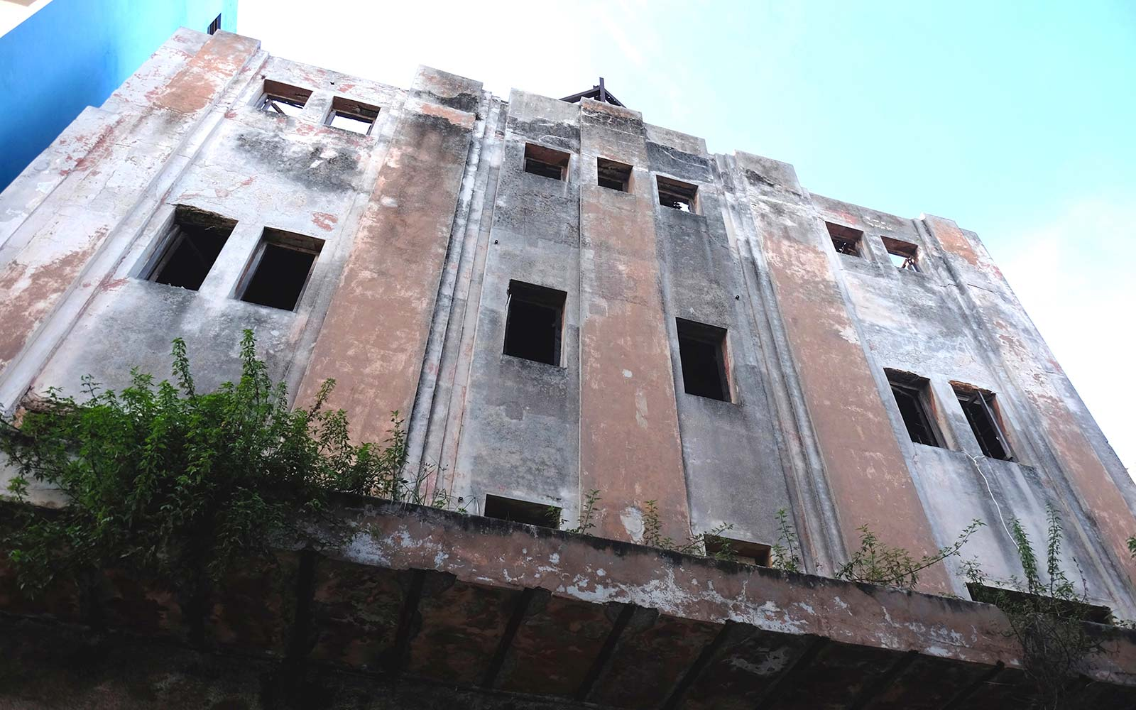 Abandoned buildings in Cuba