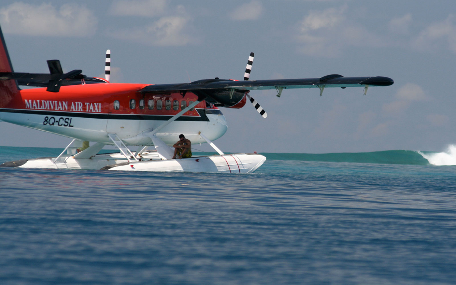 seaplane surfing safari