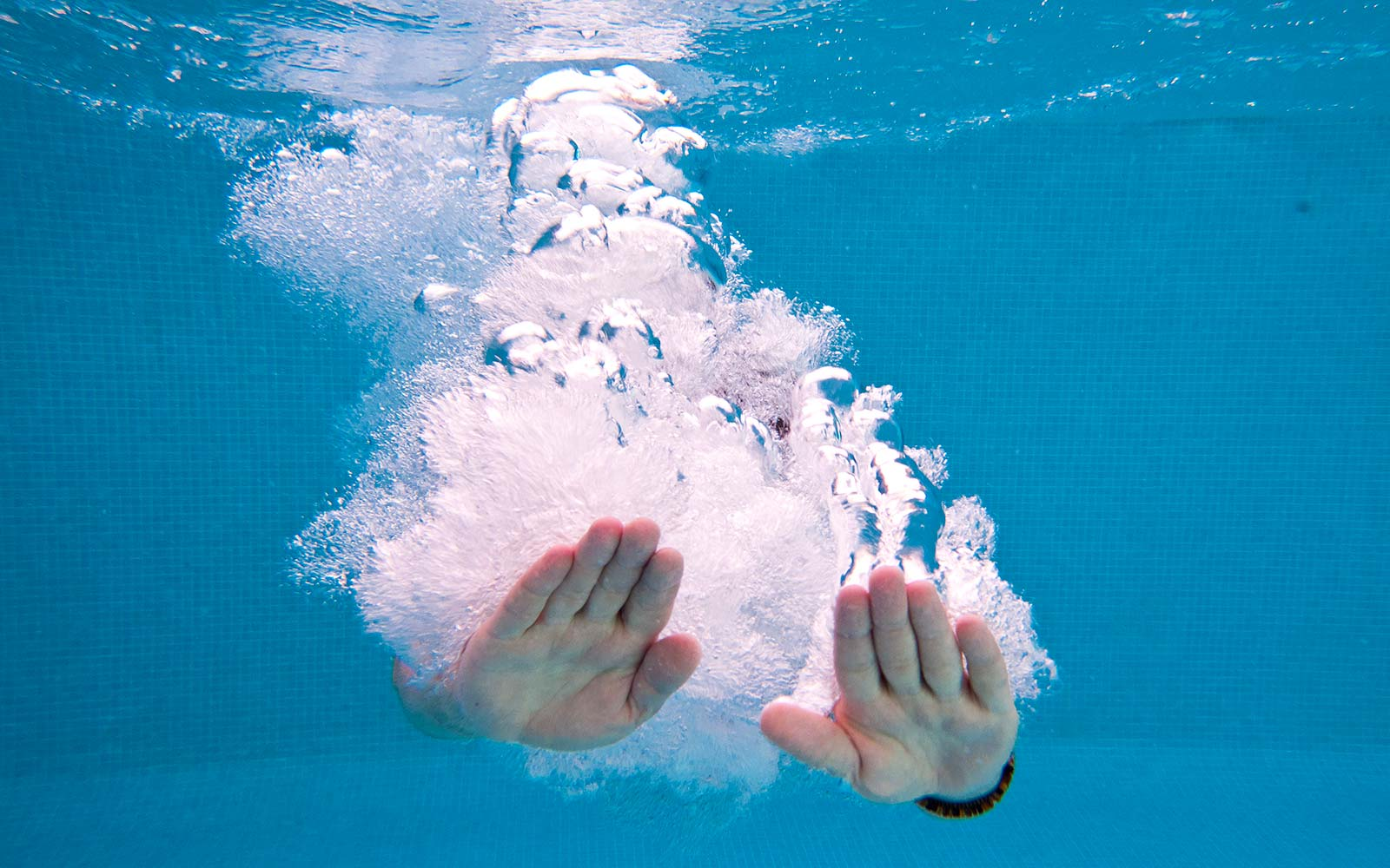 Why your hands wrinkle in water