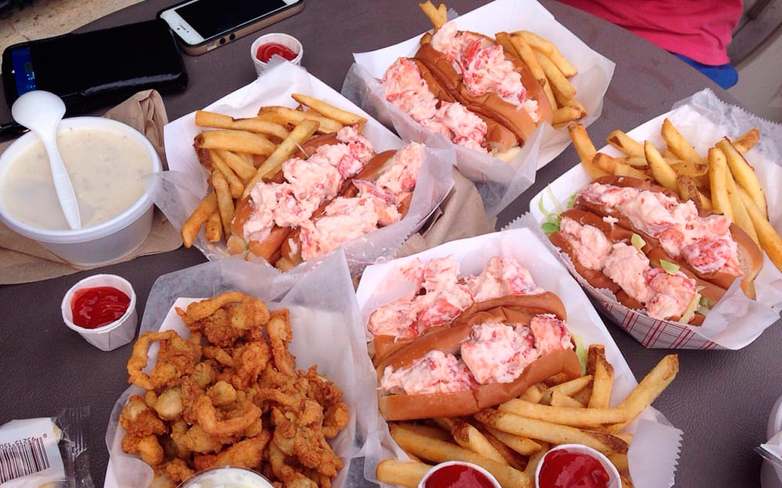 Where to Eat a Lobster Roll by the Beach