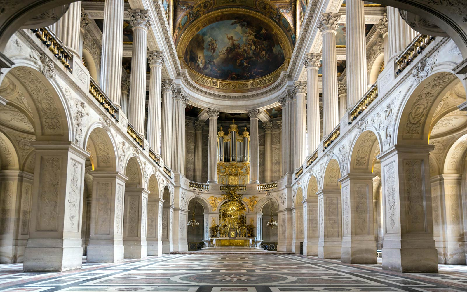 Wedding at the Royal Chapel in Versaille