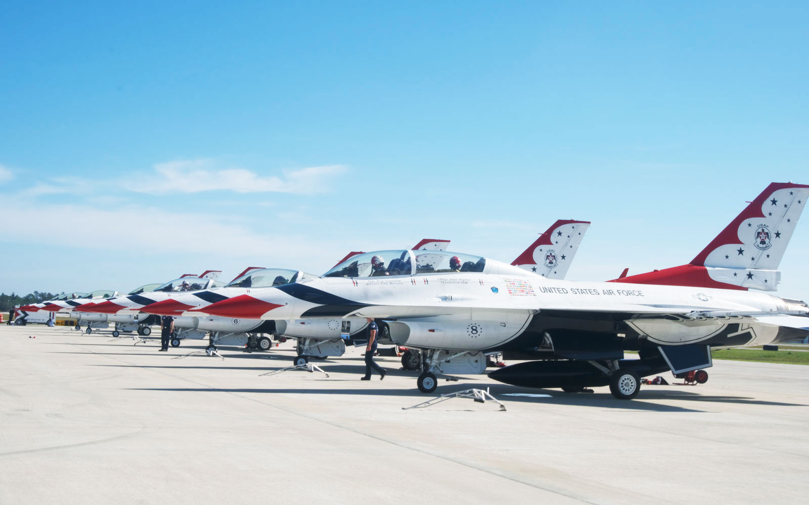 f 16 fighting falcons