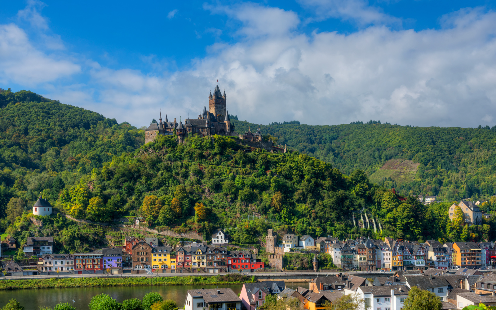 The castle above Cochem.