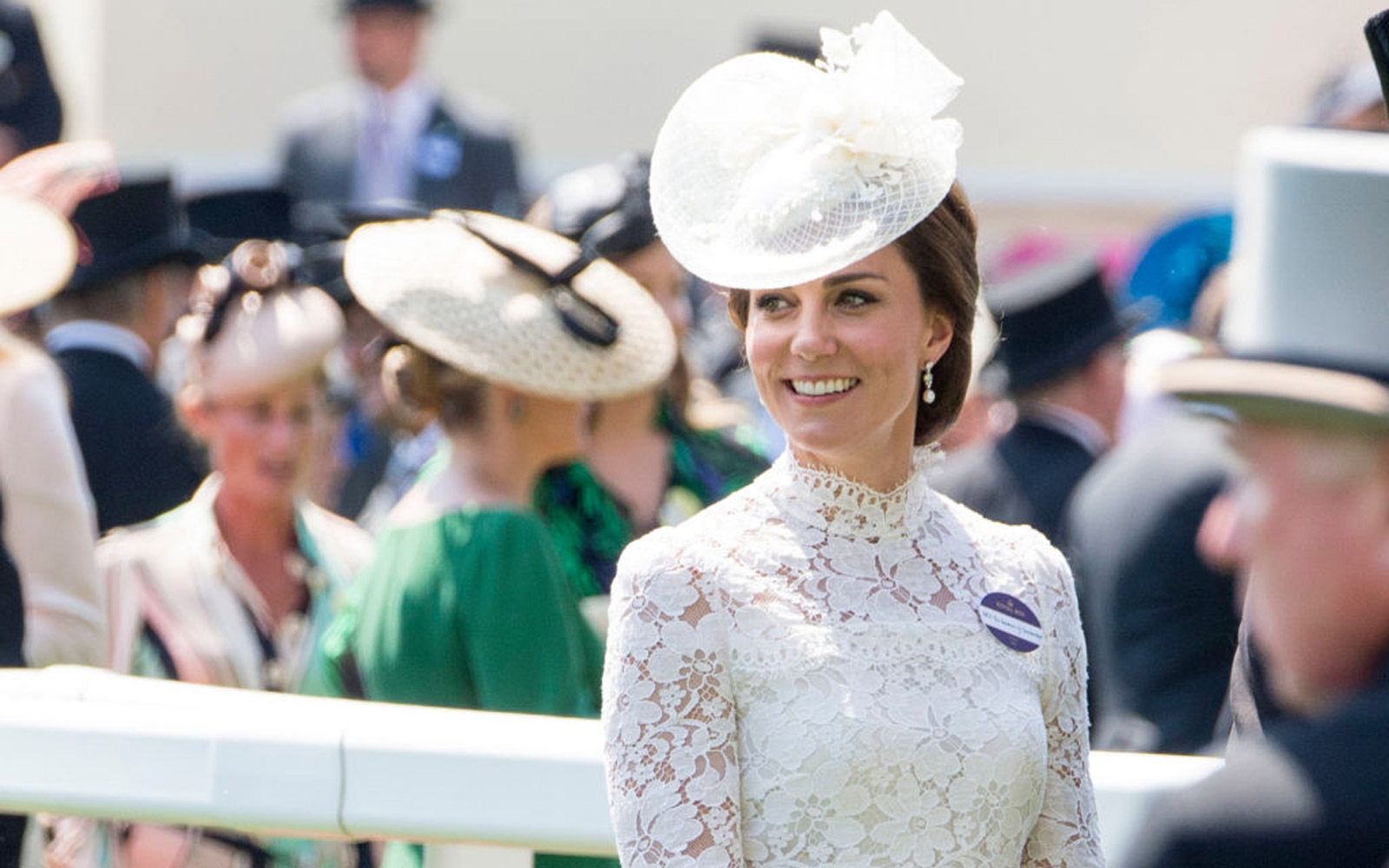ASCOT, ENGLAND - JUNE 20:  Catherine, Duchess of Cambridge attends Royal Ascot 2017 at Ascot Racecourse on June 20, 2017 in Ascot, England.  (Photo by Mark Cuthbert/UK Press via Getty Images)