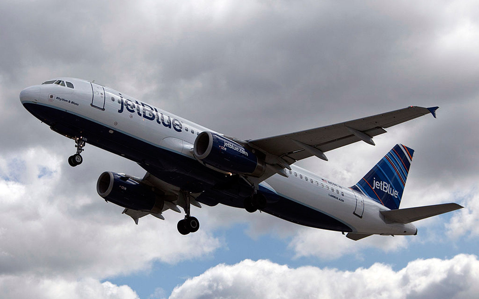 NEW YORK, NY - APRIL 27: A JetBlue plane is seen at John F. Kennedy International Airport April 27, 2012 in the Queens borough of New York City.