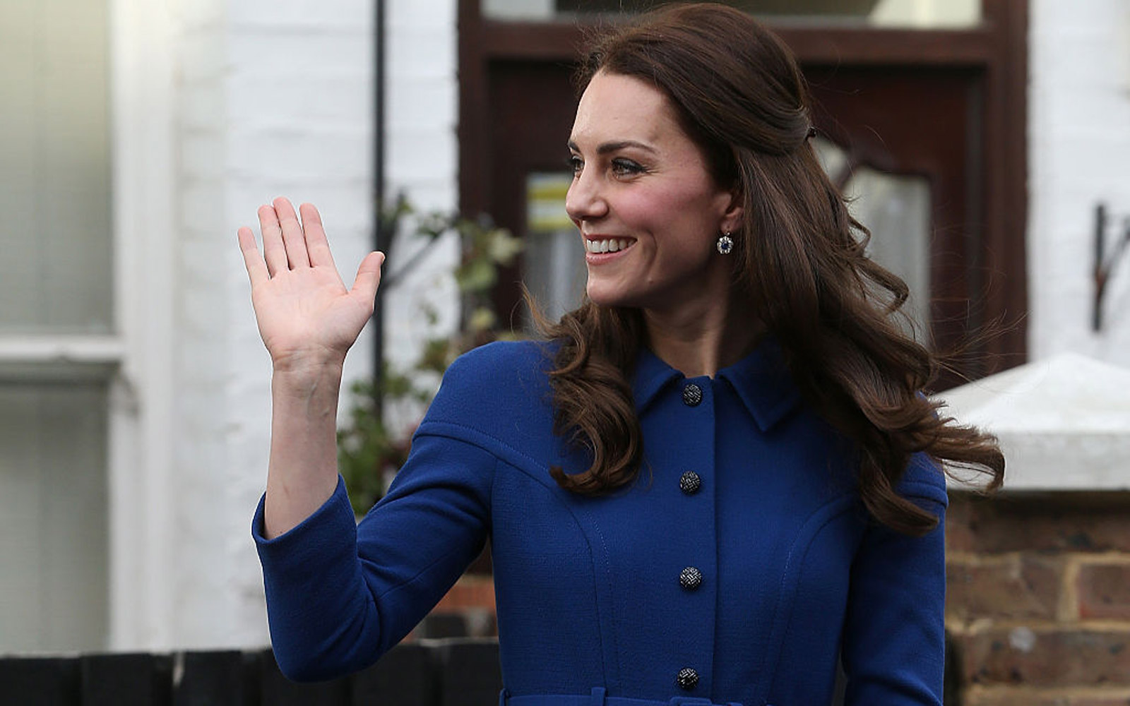 LONDON, ENGLAND - JANUARY 11:  Catherine, Duchess of Cambridge leaves the Anna Freud Centre on January 11, 2017 in London, England.  (Photo by Danny Martindale/WireImage)
